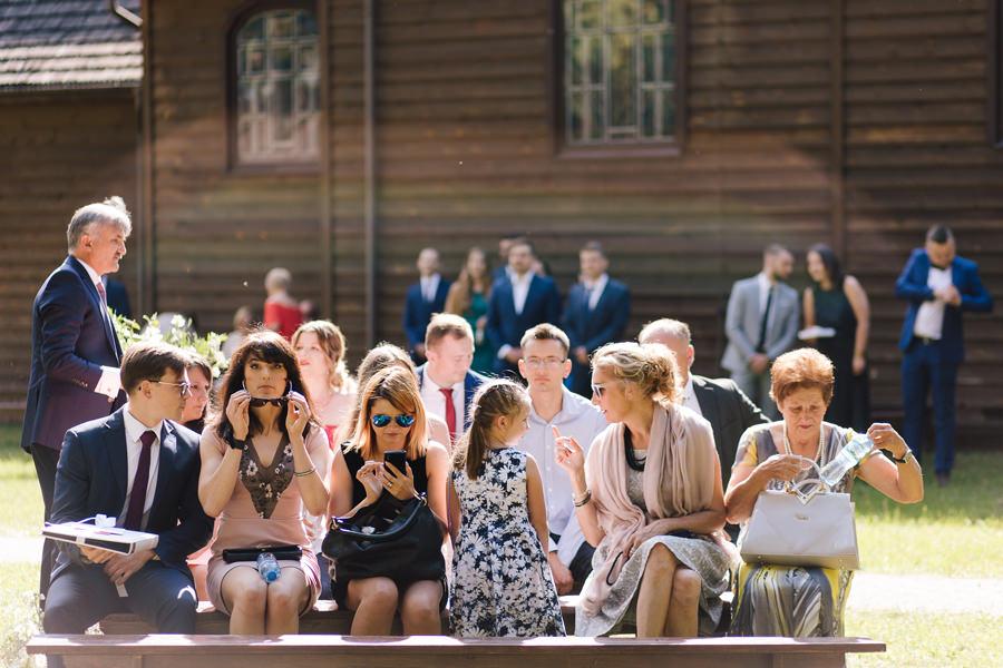 Plenerowy ślub kościelny
