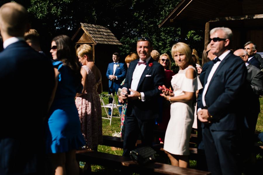 koscielny ślub w plenerze