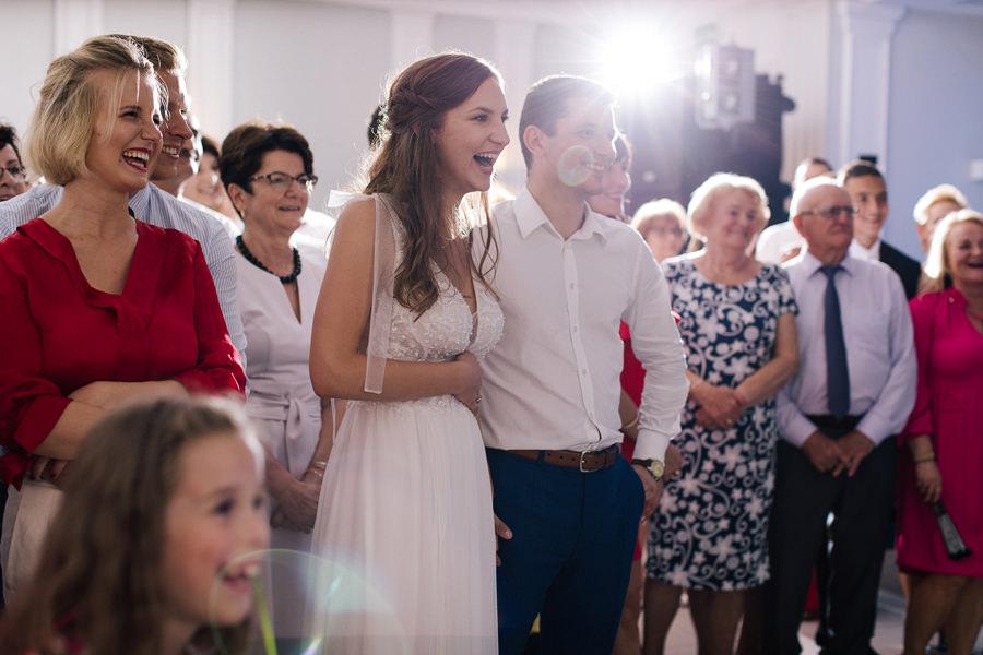 fotograf na kościelny ślub w plenerze warszawa