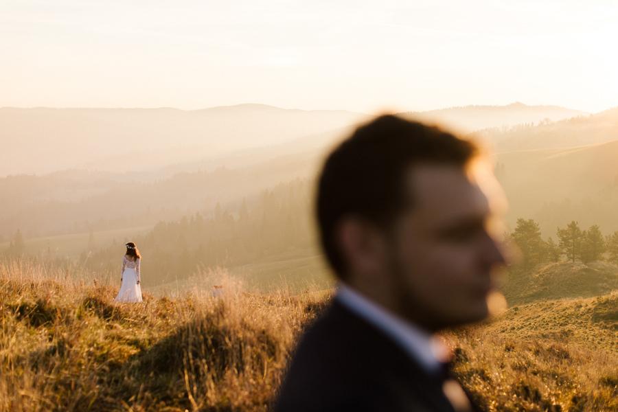 portret ślubny, sesja poślubna w górach, para młoda