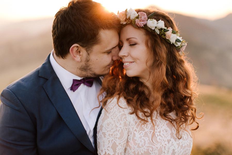 para młoda, wianek ślubny, sesja poślubna, mucha na ślub