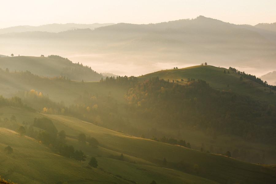 krajobraz o wschodzie słońca, wschód słońca w Pieninach, Pieniny, fotografia krajobrazowa