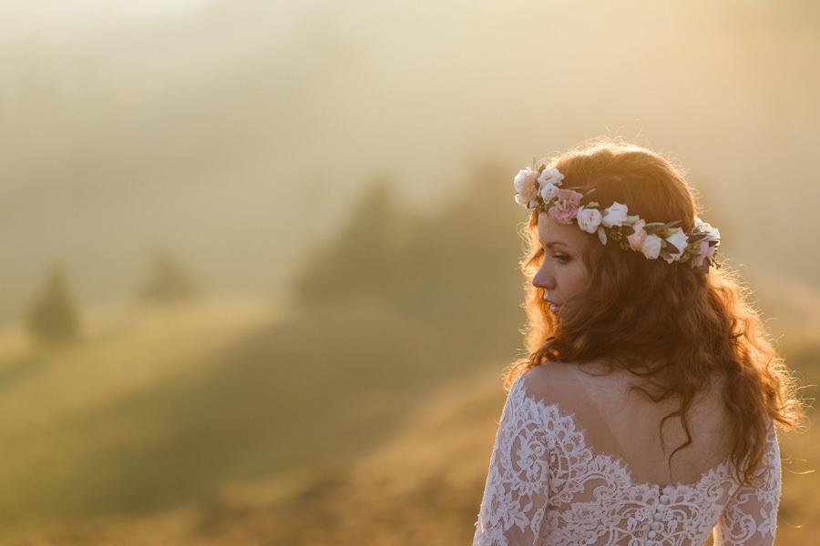 panna młoda we wianku, wianek ślubny, panna młoda w górach